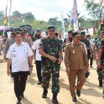 Wakil Bupati Sanggau Hadir Pada Penutupan TMMD Regtas ke-104 TA.2019 Kodim 1204/Sanggau di Desa Sebongkuh
