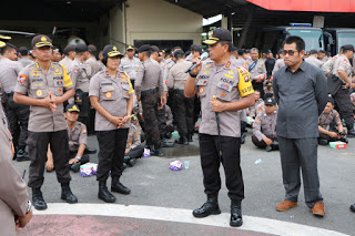 Apel Pergeseran Pasukan Polda Kalbar, Bukti Nyata Polri, TNI dan Stake Holder Menjamin Terselenggaranya Pemilu dan Keamanan Masyarakat Sampai Ke TPS