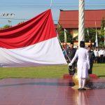 Wabup Sanggau Drs.Yohanes Ontot, M.Si Pimpin Upacara Hardiknas dan Peringatan Hari Otonomi Daerah ke-XXIII