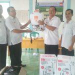 Sosialisasi  dan Penyerahan bantuan Polybag dan Handsprayer  secara simbolis  dikelompok tani Siaga Dusun Mutun Desa Kedakas Kecamatan Tayan Hulu.