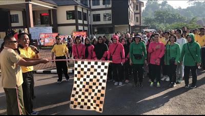 Kapolres Sanggau Bersama Dandim 1204 Sanggau Buka Kegiatan Jalan Santai
