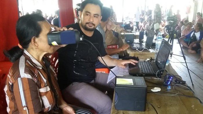 Jemput Bola Pelayanan Perekaman E-KTP dan Penerbitan Dokumen Kependudukan di Desa Meranggau