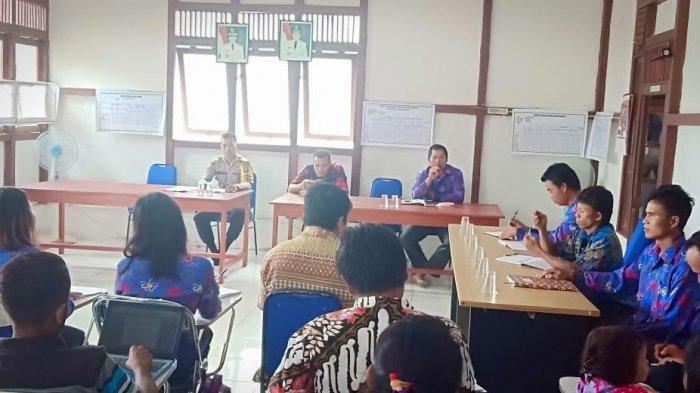 Bhabinkamtibmas Polsek Meranti Hadiri Rapat Persiapan Lomba Kampung Bersih