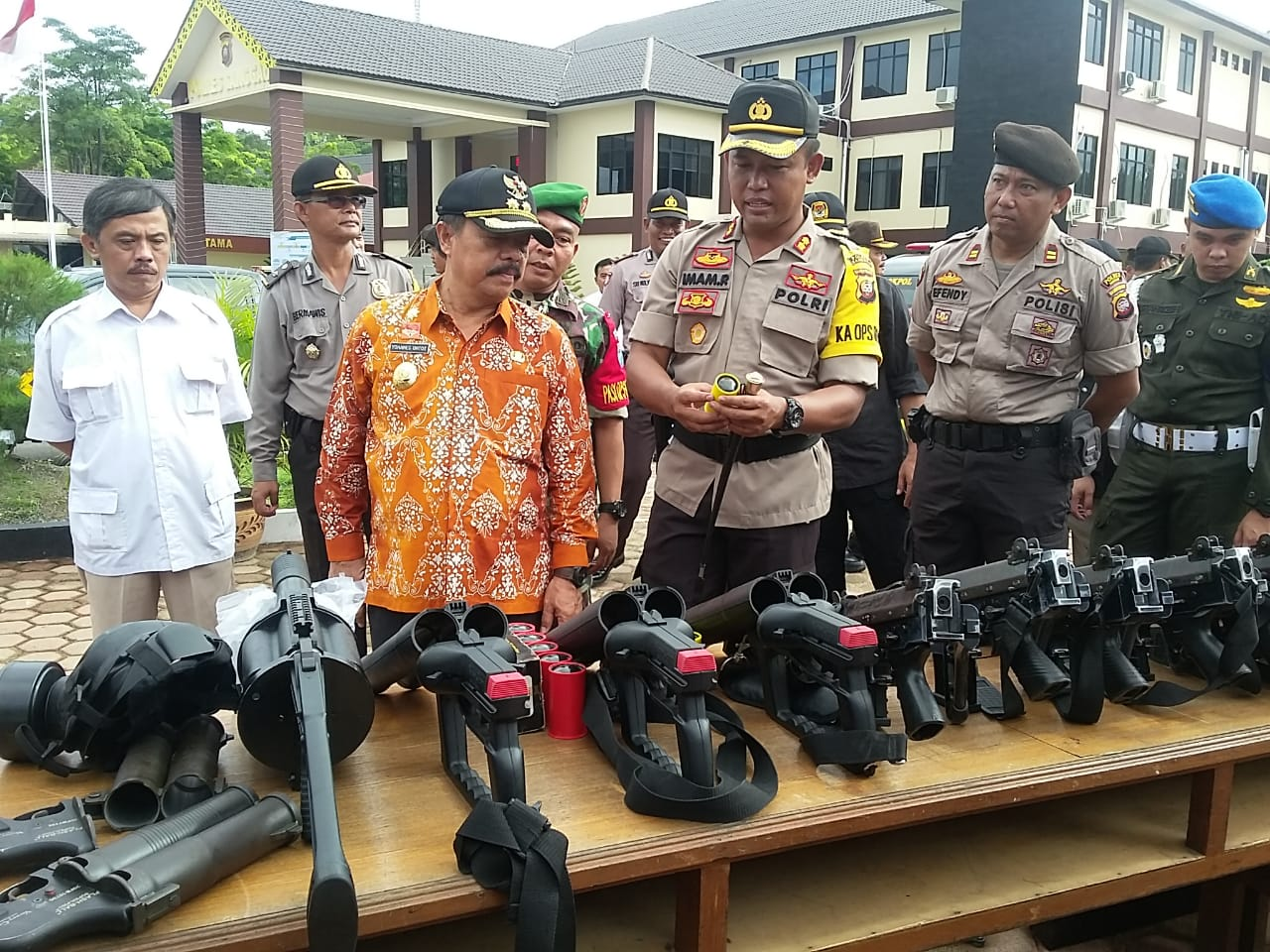 Kapolres Sanggau Pimpin Apel Konsolidasi Operasi Ketupat Kapuas dan Kesiapan Pengamanan Sidang PHPU Tahun 2019