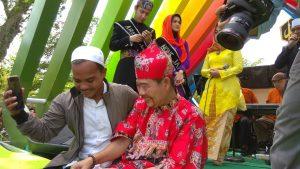 Artis Ibu Kota Meriahkan Pawai Ta'ruf STQ XXV Nasional di Pontianak – DISKOMINFO