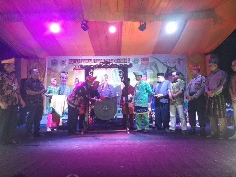 Festival Budaya Paradje' X Resmi Ditutup, Bupati Sanggau: Jaga Kearifan Lokal Serta Bangga Dengan Identitas Diri Sebagai Bangsa Yang Berbudaya