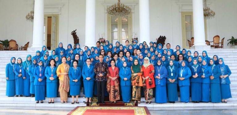 Ketua TP-PKK Sanggau Ny.Arita Apolina Paolus Hadi, S.Pd, M.Si Hadir Pada Acara Puncak Rakornas di Istana Kepresidenan Bogor