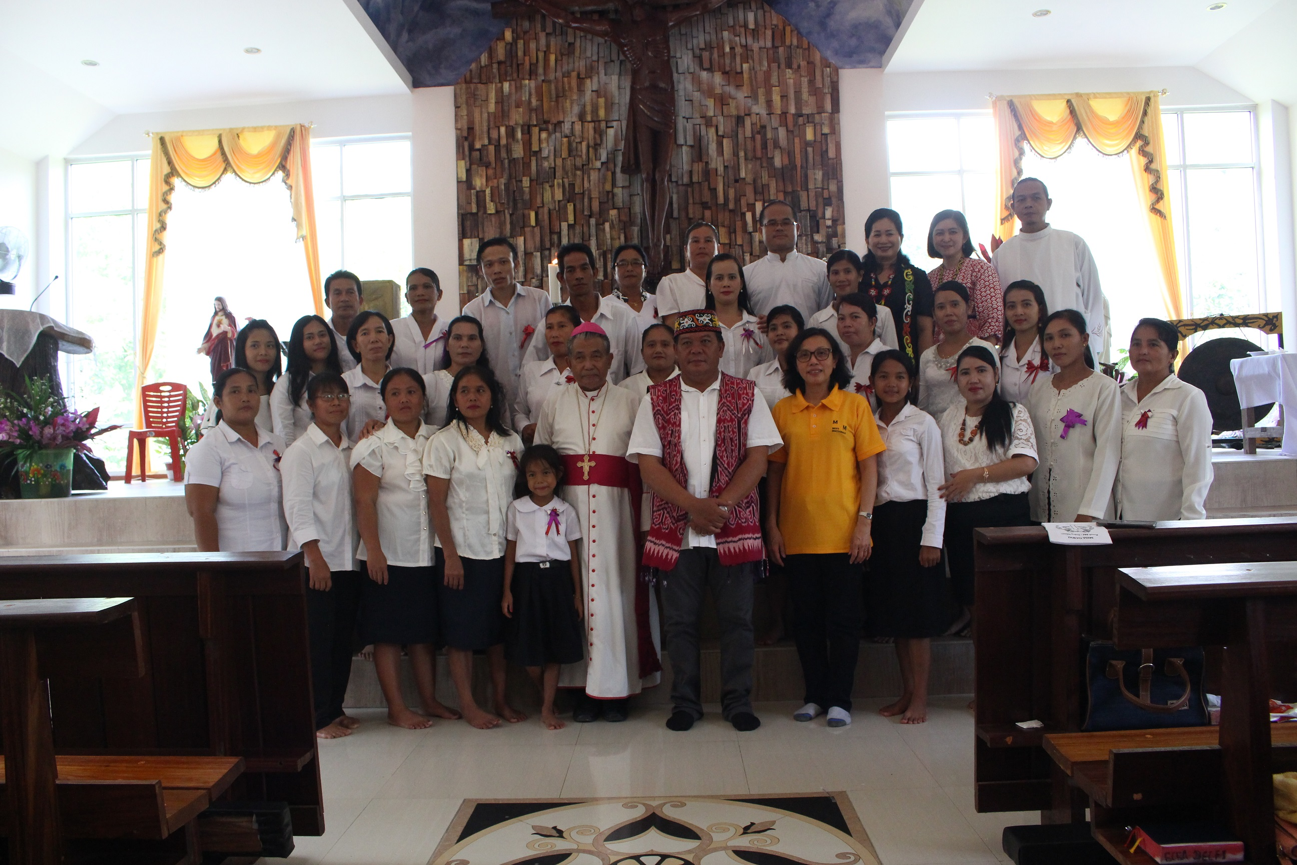 Ungkapan Syukur Masyarakat Saat Gawai di Awali Dengan Misa Bersama