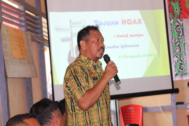 Diskominfo Sanggau Menyampaikan Sosialisasi Anti Hoax Di Desa Bagan Asam Kecamatan Toba
