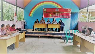 Kapolsek Toba Hadiri Pertemuan Kelompok Kerja di Kampung Keluarga Berencara Desa Lumut