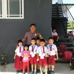 Polisi Sahabat Anak, Bhabinkamtibmas Sambangi Anak-Anak Sekolah di Desa Binaan