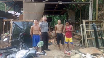 Patroli Sambang Bhabinkamtibmas Ciptakan Keamanan Desa Binaan