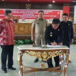 Bupati Sanggau Menandatangani Persetujuan KUA-PPAS TA.2019, Berpesan Eksekutif dan Legislatif Patuhi Aturan Dalam Penyusunan Anggaran