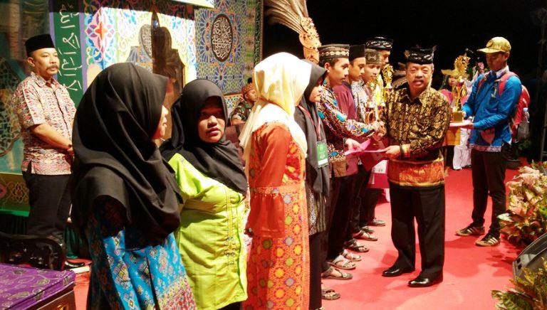 Kafilah Kecamatan Meliau Juara Umum MTQ Tingkat Kabupaten Sanggau Tahun 2018