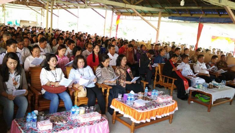Umat Berbagai Denominasi Gereja Kec. Tayan Hilir Rayakan Natal Bersama