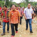 Rangkaian Acara Pentas Seni di Desa Gunam Resmi di Tutup oleh Bupati Sanggau