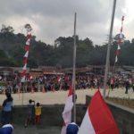 Pecahkan Rekor MURI di Entikong, Pengibaran 1745 Bendera Merah Putih