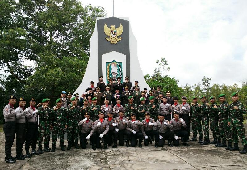 Bupati Sanggau Pimpin Upacara Hari Pahlawan