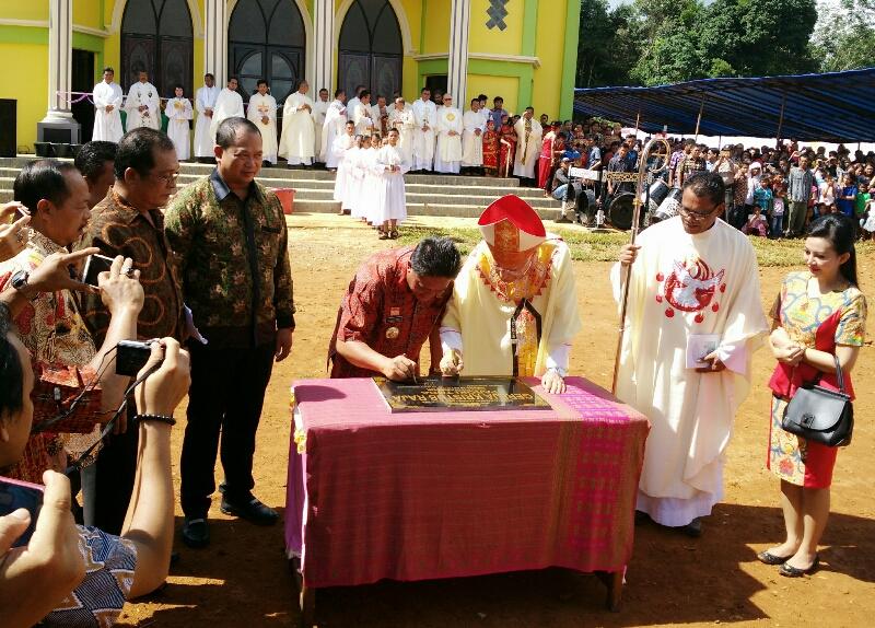 Gereja Katolik Paroki Toba Diresmikan, Umat Penuh Sukacita