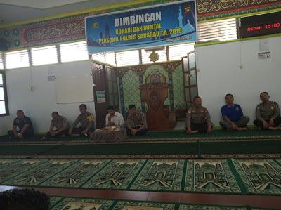 Polres Sanggau Laksanakan Binrohtal di Masjid Al Hikmah Polres Sanggau