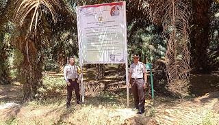 Pasang Banner Maklumat Kapolda Kalbar, Polsek Toba Serius Tangani Karhutla