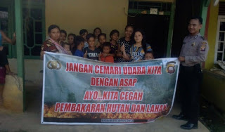 Anggota Polsek Batang Tarang Lakukan Kampanye Karhutla