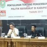 PENYULUHAN TENTANG PENGEMBANGAN PARTISIPASI POLITIK MASYARAKAT DI KABUPATEN SANGGAU TAHUN 2017