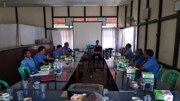 Kumpulkan Seluruh Petugas PDAM Sanggau, Yohanes Andriyus Wijaya Beri Arahan
