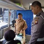 Bupati dan Wabup Sanggau Perdana Perekaman Smart SIM