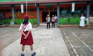 Kasatlantas Polres Sanggau Pimpin Giat Police Goes To School (PGTS) di SD Paroki Sanggau