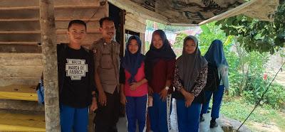 Himbau Jauhi Narkoba Brigadir Agus Setiawan Sambangi Sekelompok Remaja