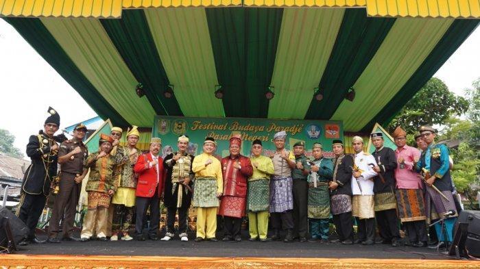 Wagub Kalbar Buka Festival Budaya Paradje Pasaka Negeri XI di Sanggau