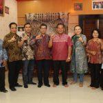 Tim KI dan PPID Utama Kalbar Silahturrahmi Dengan Bupati Sanggau