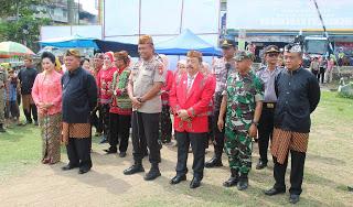 Kapolres Sanggau Hadir Pada Acara Mengkeut Kadeudeuh Baraya Sunda Tahun 2019