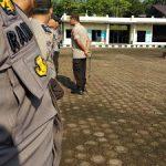 Kapolres Sanggau Cek Perlengkapan Anggota