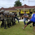Antisipasi Berbagai Kerawanan, Polsek Entikong Gelar Latihan Dalmas Awal