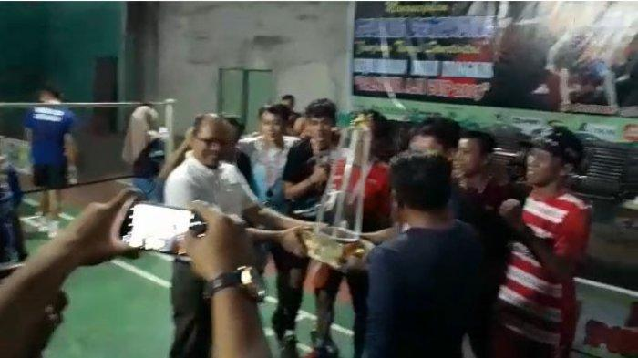 VIDEO: Bupati Sanggau Tutup Kejuaraan Bulutangkis Pancur Aji Cup 2019