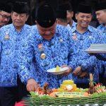 Upacara Peringatan HUT Korpri ke-48, Bupati Sanggau Mengajak Pegawai Laksanakan Pesan Presiden RI