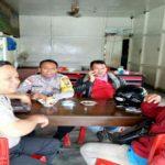 Ngopi Bersama Masyarakat Brigadir Meriansyah Sampaikan Himbauan Kamtibmas