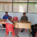 Bhabinkamtibmas Berikan Himbauan Kamtibmas Kepada Staf Desa