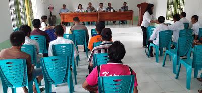 Bhabinkamtibmas Hadiri Kegiatan Peningkatan Kapasitas Kelembagaan Adat Tahun 2019 di Desa Sebongkuh Kecamatan Kembayan