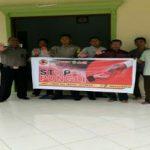 Brigpol Hemy Khoirul Anam Sosialisasikan Stop Pungli di Kantor Desa Sungai Mayam