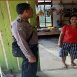 Menyambangi Warung Sdri. Yani Bripka Ariandi Sampaikan Himbauan Kamtibmas