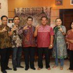 Tim KI dan PPID Utama Kalbar Silahturahmi Bersana Bupati Sanggau