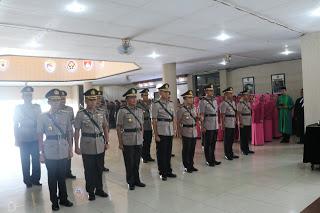 Kapolda Kalbar Pimpin Sertijab Dua Pejabat Utama Polda Kalbar dan Enam Kapolres Jajaran
