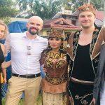 Kisah Bule Jerman Persunting Perempuan Dayak Sanggau, Yulita: Mereka Hormati Budaya Kita