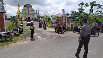 Anggota Polres Sanggau Laksanakan Pam Gereja Katedral Santa Maria Bunda Pengharapan Sabang Merah