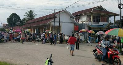 Bhabinkamtibmas Laksanakan Pengamanan Lalu Lintas di Pasar Jarai