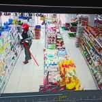 Video Aksi Pencurian di Indomaret Kota Sanggau Terekam CCTV
