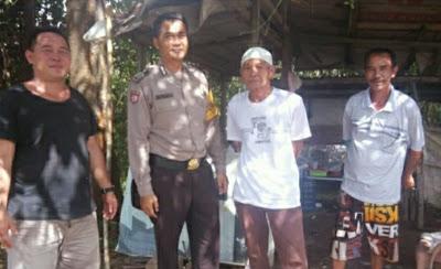 Patroli di Desa Binaan Bripka Darmawan Sampaikan Himbauan Kamtibmas